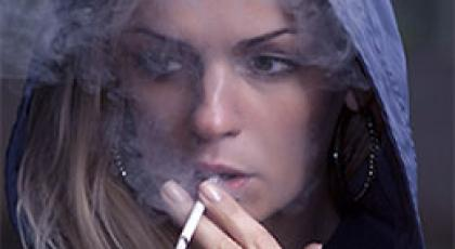 smoking_woman_260x